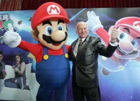 Buzz Aldrin aterriza en la presentación de 'Super Mario Galaxy'