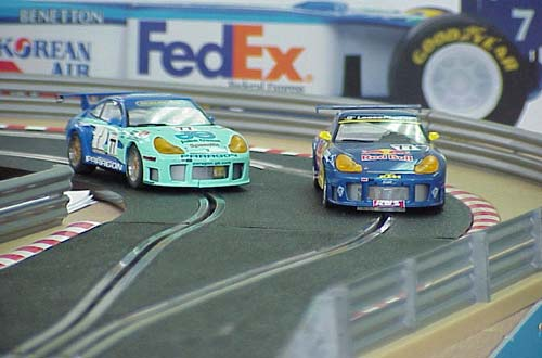 Scalextric - Coches en plena carrera