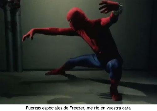 Spider-man japonés - Haciendo poses