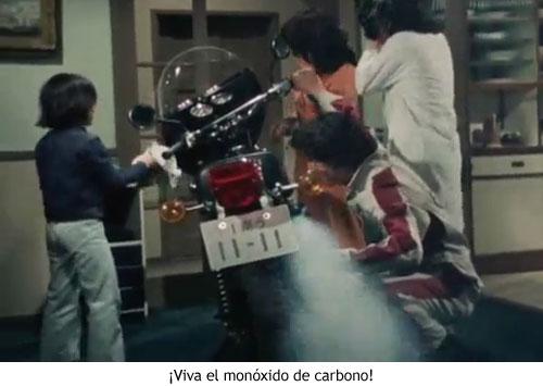 Spider-man japonés - Reparando la moto