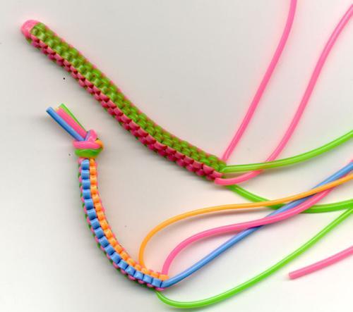 Las pulseras Scoubidou - Diseño